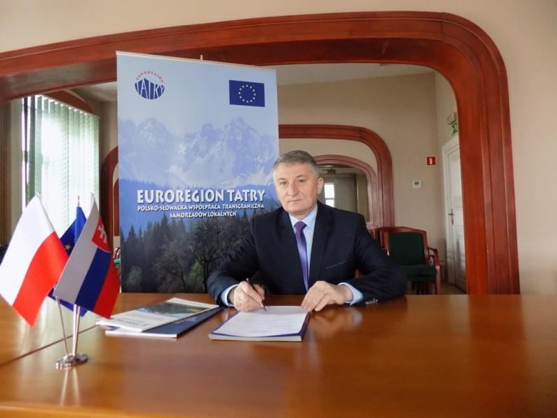 """Przewodniczący Rady Związku Euroregion """"Tatry"""" Bogusław Waksmundzki laureatem plebiscytu na samorządowca 2017 roku"""