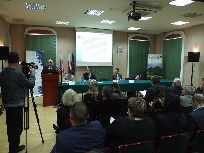 """Konferencja pt. """"Partnerstwo we współdziałaniu. Samorządowy wymiar współpracy międzynarodowej na polsko-słowackim pograniczu""""."""