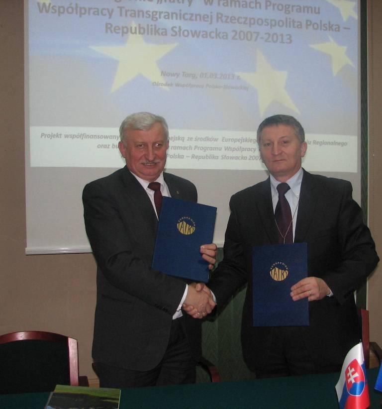 Uroczyste podpisanie umów o dofinansowanie mikroprojektów