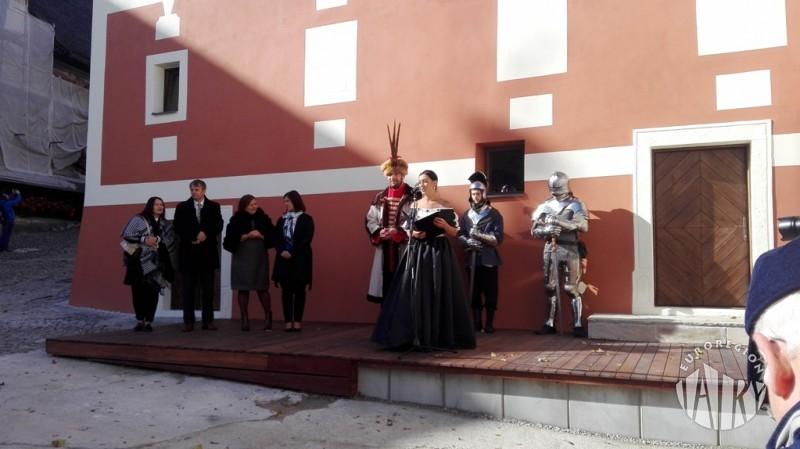 Otwarcie multimedialnej ekspozycji torfowisk na dziedzińcu Orawskiego Zamku